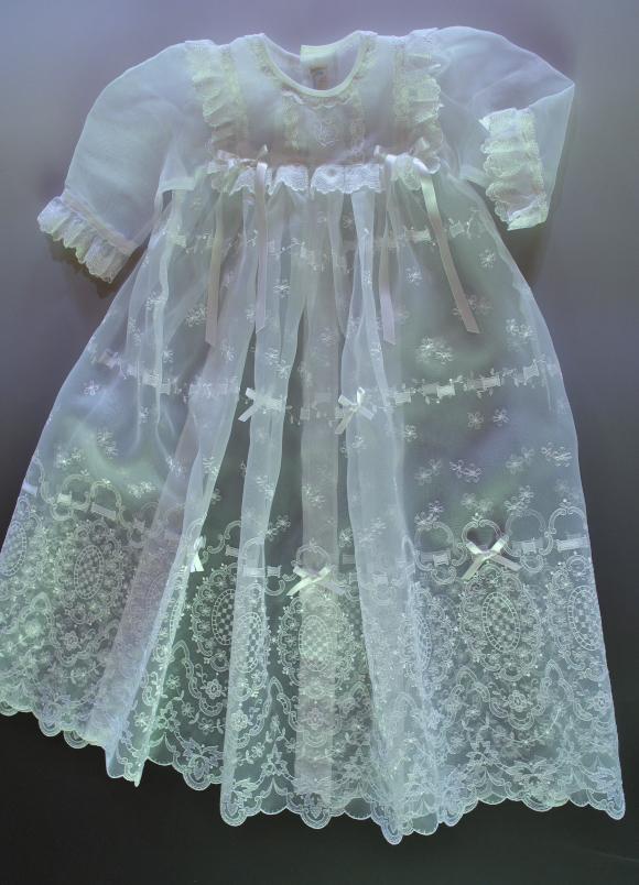 桂由美セレモニードレス・シンデレラリボン全景